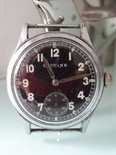 Glycine Military Handwound Vintage  men's watch - around 1950 - black dial - due to age minor signs of age