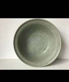 Chinese Song Dynasty Celadon Bowl - 25 cm x 6.2 cm