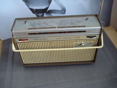 """Portable Philips radio  """"L3 X 32 T/00C"""", made in the Netherlands in 1963"""
