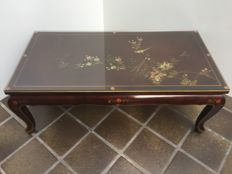 Hand-painted coffee table - China - Second half of the 20th century