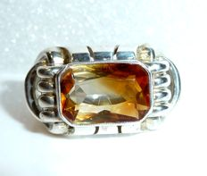 Vintage ring with large natural citrine weighing 3.1 ct in octagonal cut, ring size 58 / 18.4 mm, around 1920