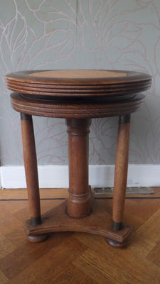 Piano stool - in height adjustable with brass finish - the Netherlands - c. 1915