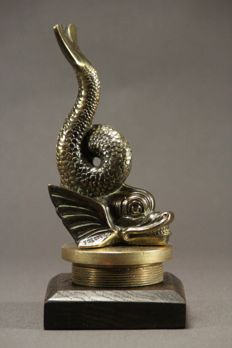 "Mascot ""the Dolphin"" mounted on a radiator cap (signed) - 1930"