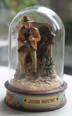"""Franklin Mint - character """"John Wayne"""" - with glass dome"""
