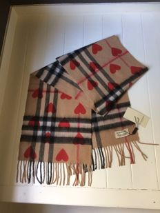 Burberry - Classic cashmere - Check and hearts