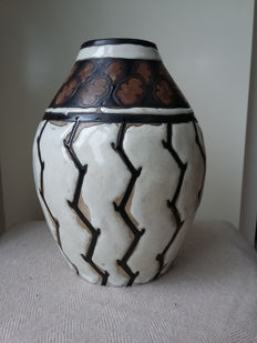 Charles Catteau, Boch Keramis - Polychrome ceramics vase with stylised decor