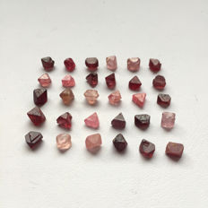 Lot of Natural Spinel Crystals - 22.63 ct (30)