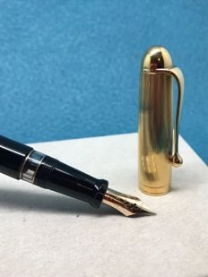 Aurora 88 Big Gold Cap Piston Fountain Pen