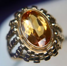 Vintage 9Kt. Gold german ring with 3.17ct natural Citrine on a wide perforated filigran ring head