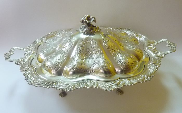 Legume dish in sterling silver - J. Pérez - Spain - Early 20th century