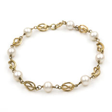 Gold, 18 kt - Bracelet - Pearls measuring approx. 6.15 mm - Length: 19 cm