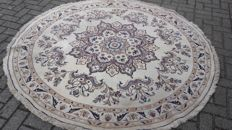 Beautiful hand-knotted Persian NAINE   200 x 200 cm