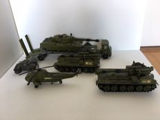 Dinky Toys-FR/GB - Scale 1/43-1/50-1/52-1/76- AEC Articulated No.618 Lorry with Chieftain Tank No.683, AML Panhard No.814 and 2 x 155 mm Mobile Gun's No.654 and Sea King No.724