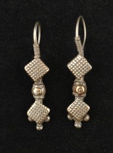 Antique handmade silver earrings - Afghanistan, early 20th Century