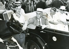 Sconosciuto/ACME - Roosevelt at County Fair, 1937