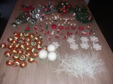 Large lot of vintage Christmas decoration - 1950s/60s