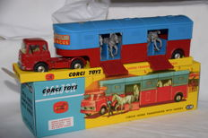 Corgi Major Toys - Scale 1/48 - Bedford Chipperfields Circus Horse Van No.1130