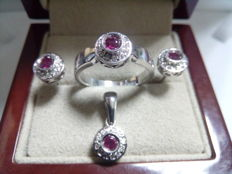 Set of earrings, cocktail ring and pendant, 18 kt white gold and ruby - measurement N14