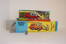 Corgi Toys - Scale 1/43 - Working Conveyor on Forward Control Jeep F.C.-150 No.64