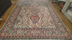 Wonderful Pakistani carpet with silk - 274/184 cm - Hand-knotted - With certificate of authenticity.