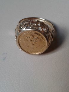 Ring 900 gold, 6.92 g, crown with 2 pesos 1945. Original  strikes, Size 52