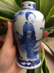 Blue and white vase - China - 19th century