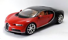 Bburago - Scale 1/18 - Bugatti Chiron- Red/black
