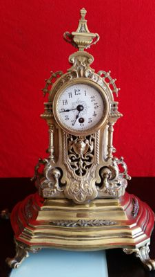 Solid bronze alloy clock, Isabelline style, 20th century