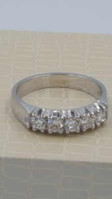"New ""Riviere"" ring, 5 diamonds 0.584 ct in total, colour F-G, clarity VS2, size 13"