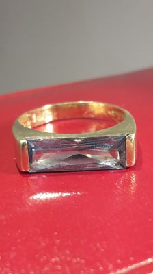 Men's  14K  gold ring set with light blue synth. Spinel,  No reserve