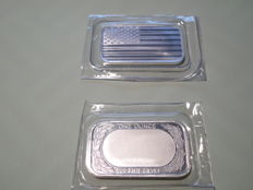 1 Oz USA Elemental mint 999,0 silver - American flag - Shrink wrapped - Excellent condition.