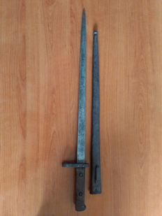 Bayonet, Austria, in fair condition.