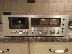 Beautiful, perfectly working vintage 1970s Luxman K-5 stereo tape deck
