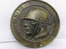 Commemorative medal - 1883-1983 first 100th year anniversary of Benito Mussolini's birth