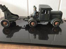 """TippCo, Germany - Length 27 cm - Tin """"Lastwagen"""" with cannon with clockwork motor, 1930s"""