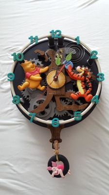 Disney, Walt - Singing & Musical Wall Clock - Winnie the Pooh & Friends (1980s/90s)