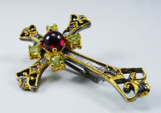 Handmade Cross - brooch inlaid with natural Garnet & Peridots - 925 Sterling silver