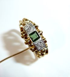 Antique ring with fine goldsmith work in 14 KT / 585 gold with tourmaline and 2 diamonds RS 65 / 20.6 mm