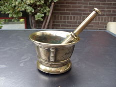 Mortar pestle 16th 17th century Spanish bronze