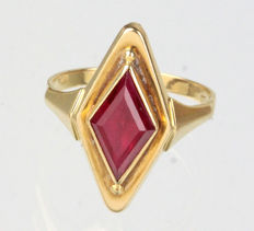Art deco verneuil ruby ring, 585 gold