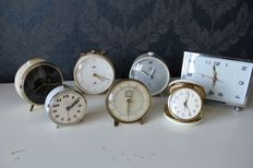 Collection of 7 antique and vintage mechanical clocks and alarm clocks - Kienzle, Junghans, Bessel-Kok