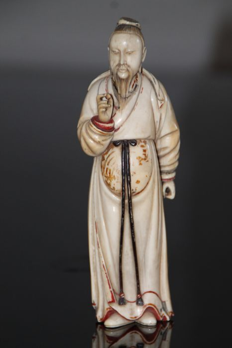 Big Signed hand carved ivory statue sage divinity - China - ca. 1900-1920