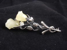 Vintage Sterling Silver & Baltic Amber Rose brooch