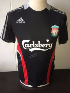 Dirk Kuyt original signed Liverpool FC shirt.