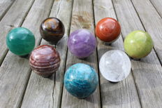 Collection of mineral spheres - 5.5 to 5.9 cm - 2.48 kg (8)