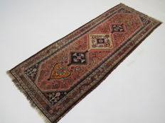 Wonderfully beautiful Persian carpet Qashqai / Iran 190 x 78 cm Semi antique natural colours 100% wool from €1.00 Nomads carpet