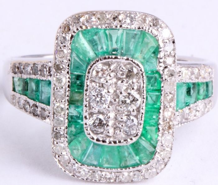 Brilliant cut diamonds 0.50 ct and Baguette cut Emeralds Women's ring - Ring size 18