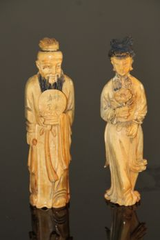 Signed antique old man and woman in ivory - China - ca. 1900/1920