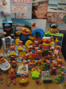 Very big Ernie collection, more than 40 pieces.