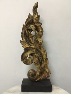 Large wooden gilt carving (ca. 49 cm) -  Burma - 19th Century (Mandalay period)